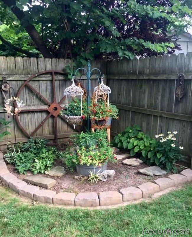 Lovely Homemade Garden Decorations You Didn't Know