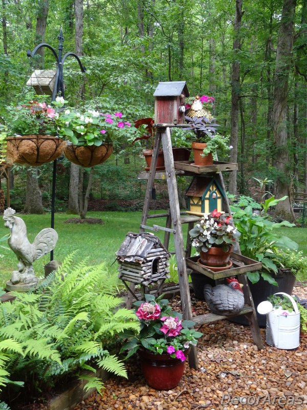 Farmhouse Rustic Garden Design