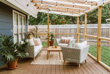 Backyard Deck Decoration