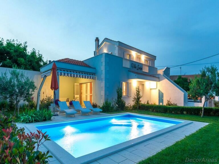 House Design With Swimming Pool And Garden