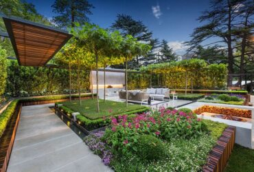 Modern Mansion Garden Decoration