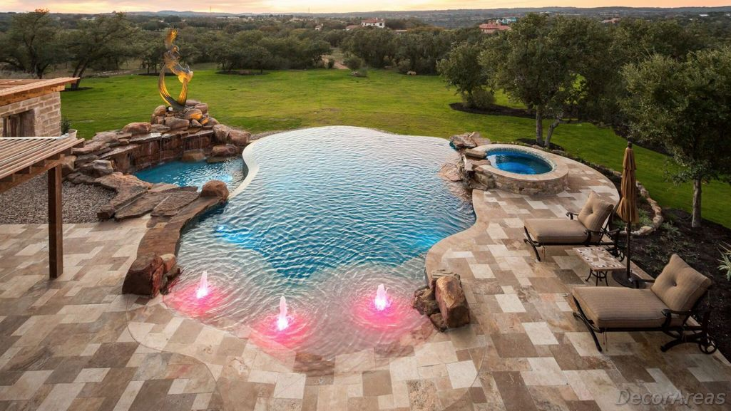 Spectacular Swimming Pool