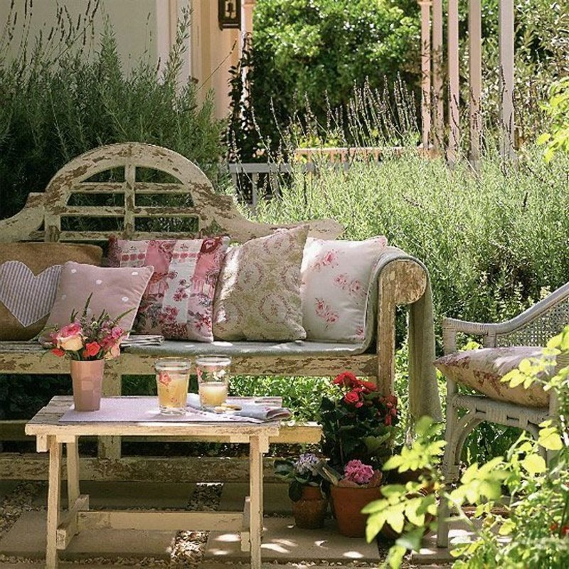 Garden Ideas That Will Give Your Outdoor Space Vintage Flair