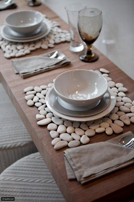 Decorative Stones for the Dining Table