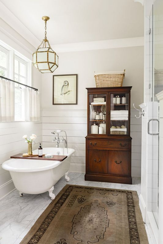 10 Ways To Decorate A Small Bathroom