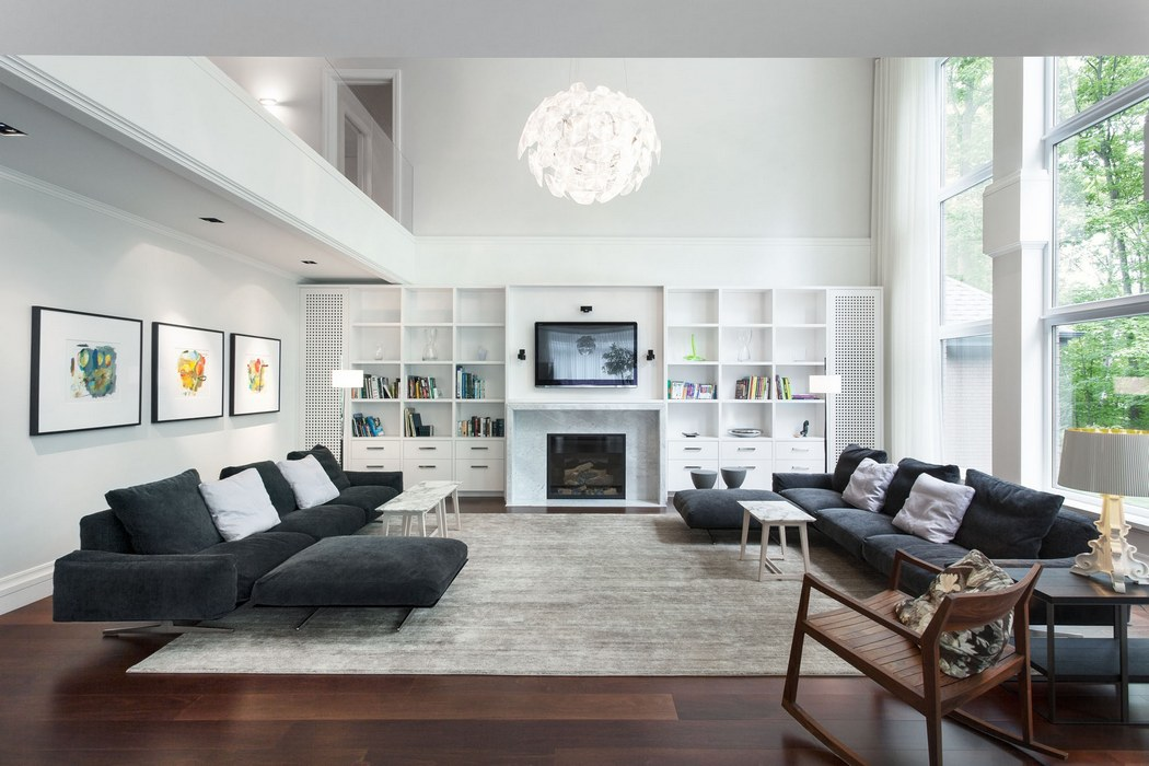 Large and Simple Living Room Decor