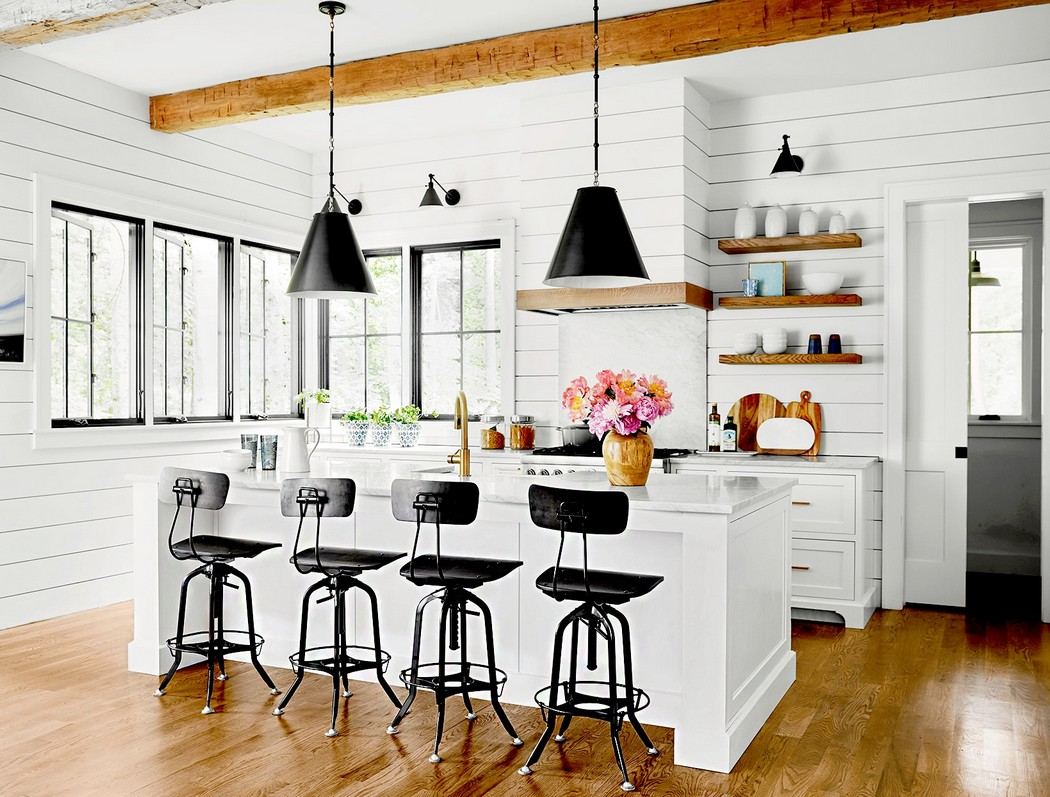 White Kitchen Cabinets for the Farmhouse