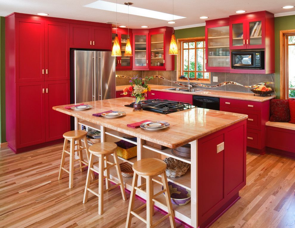 Wood And Red Kitchen Decoration