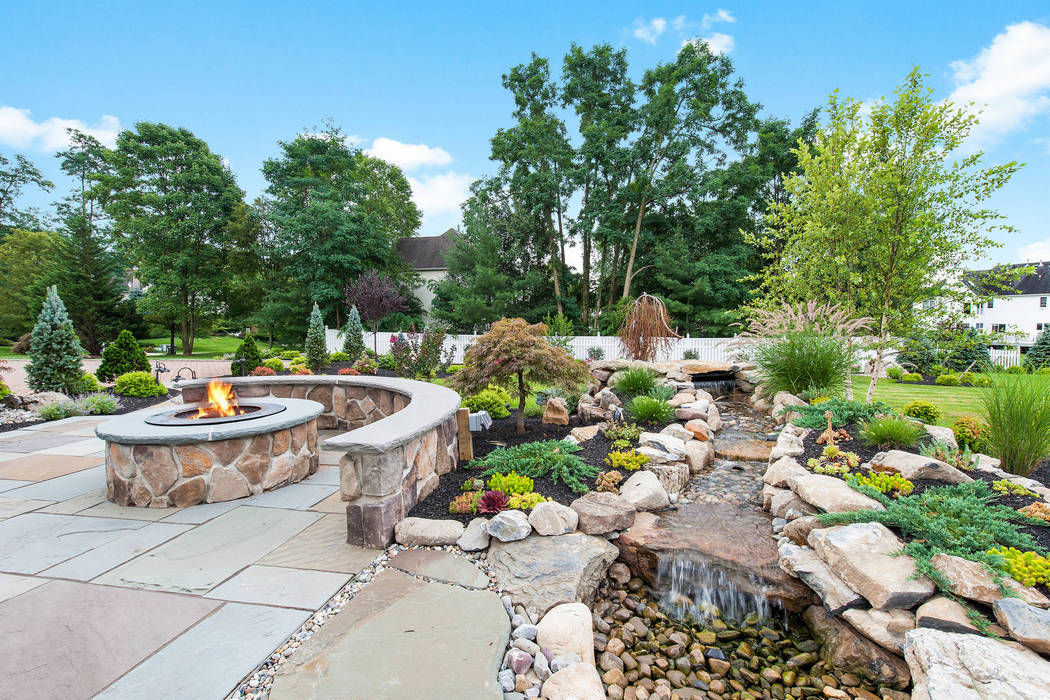 Fire Pit With Stone Wall Seating